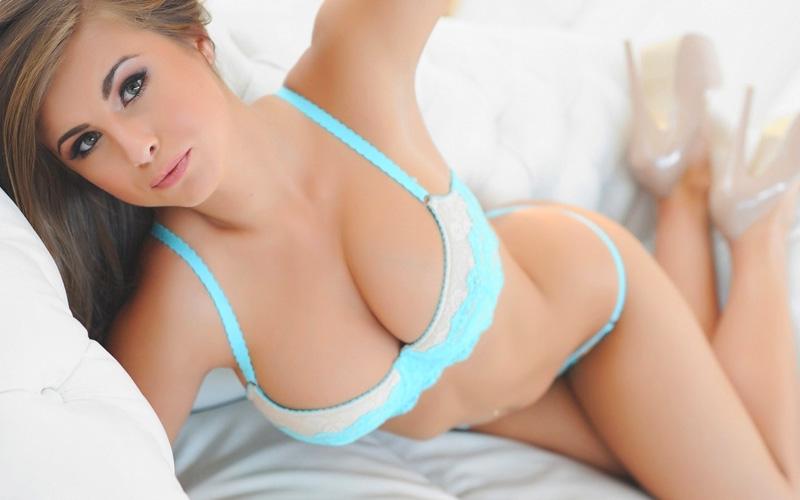 Девичья красивая грудь фото, красивый секс смотреть онлайн два парня одна девушка